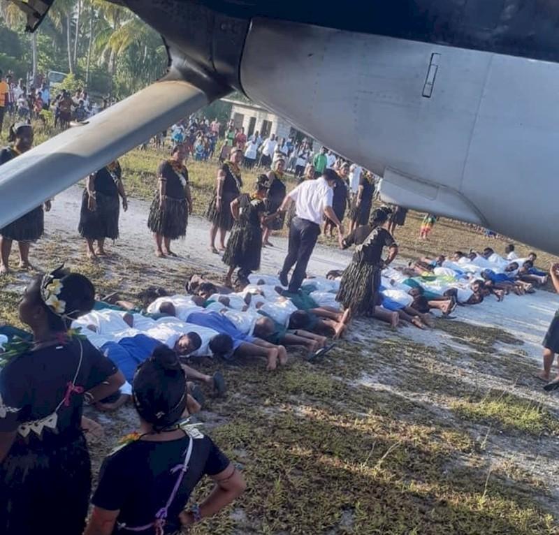 Đài Loan bác cáo buộc vụ bức ảnh đại sứ Trung Quốc ở Kiribati - ảnh 1