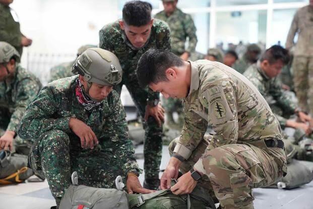 Biển Đông: Philippines, Mỹ sẽ củng cố liên minh phòng thủ  - ảnh 1