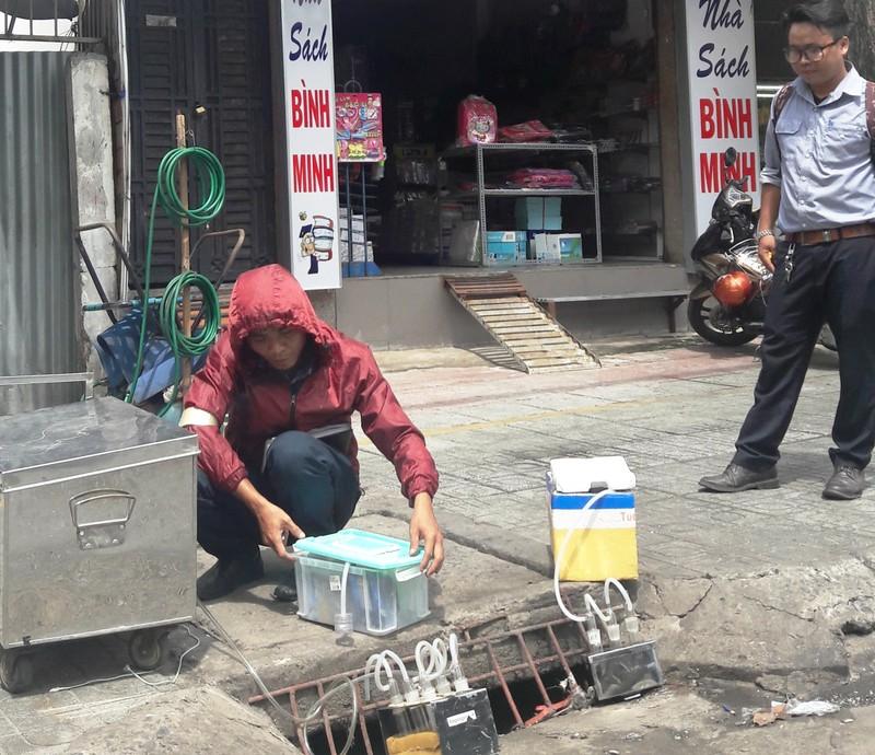 Lần đầu đo mùi cống thối trên đường phố Sài Gòn - ảnh 2