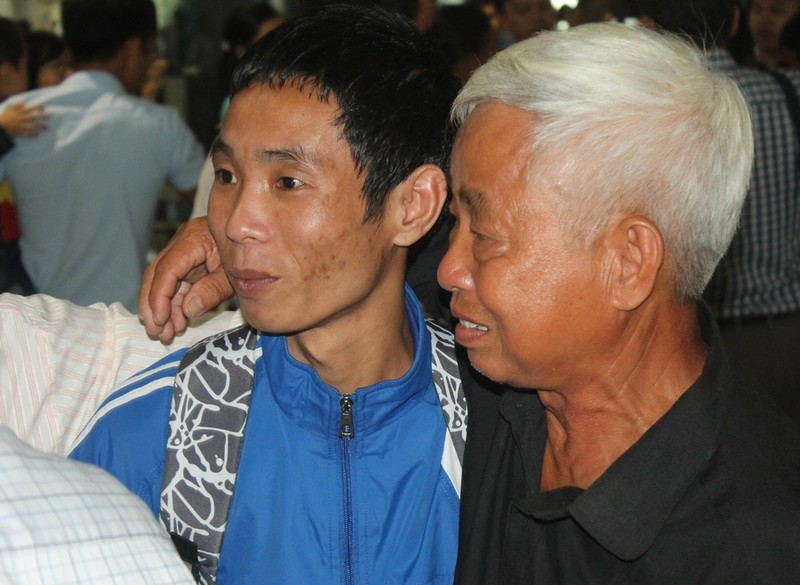 3 thuyền viên bị cướp biển bắt 4 năm đã trở về - ảnh 2