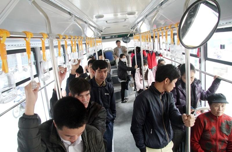 Người dân nói gì về xe buýt nhanh đầu tiên ở Việt Nam? - ảnh 2