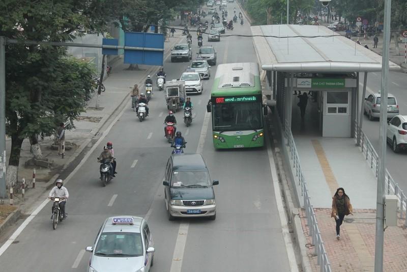 Người dân nói gì về xe buýt nhanh đầu tiên ở Việt Nam? - ảnh 10