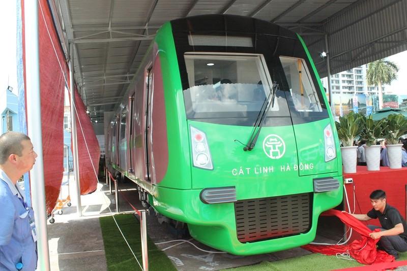 Lái tàu đường sắt Cát Linh được đào tạo ở Trung Quốc - ảnh 1