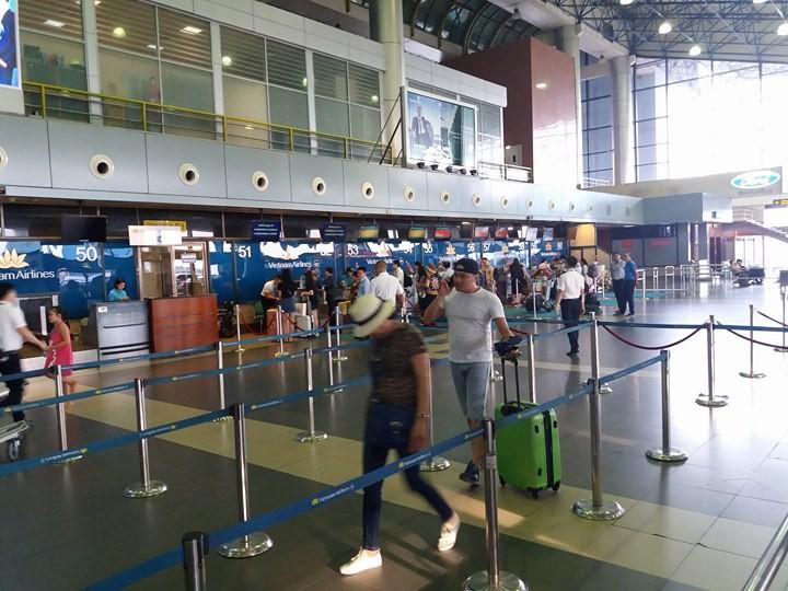 Xe đầu kéo đâm nữ nhân viên ở sân bay Nội Bài tử vong - ảnh 1