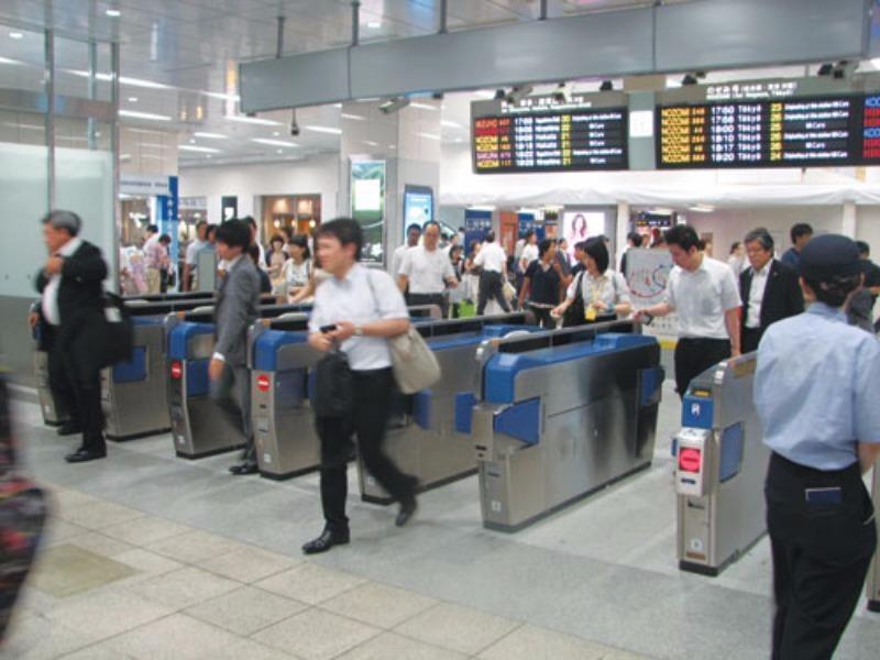Ngành đường sắt kiểm soát vé tự động khi vào ga - ảnh 1