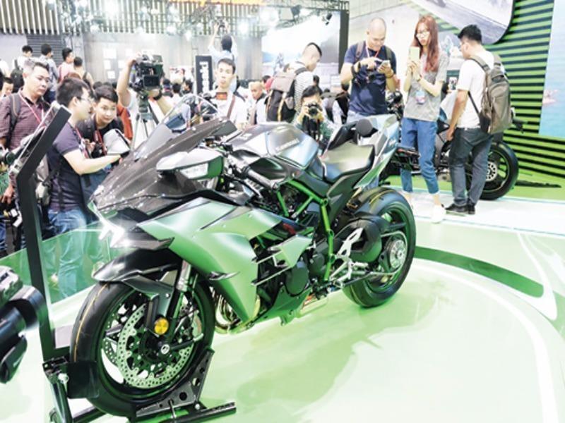 Triệu hồi hàng trăm xe máy Kawasaki - ảnh 1
