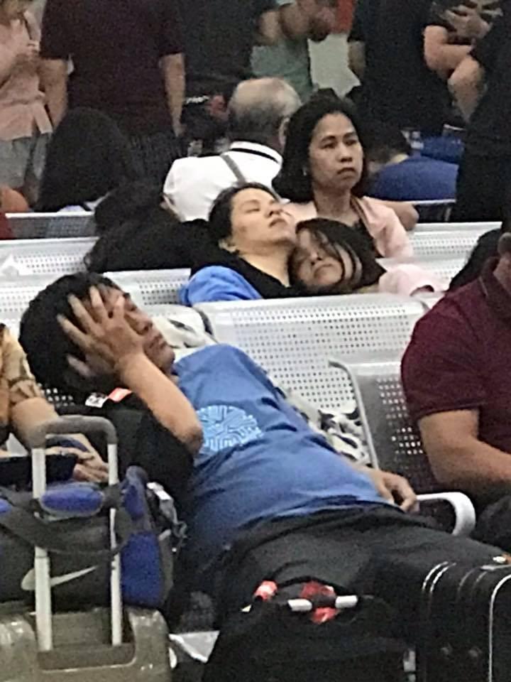 Hành khách vạ vật ở sân bay Cam Ranh vì VietJet trễ chuyến - ảnh 1