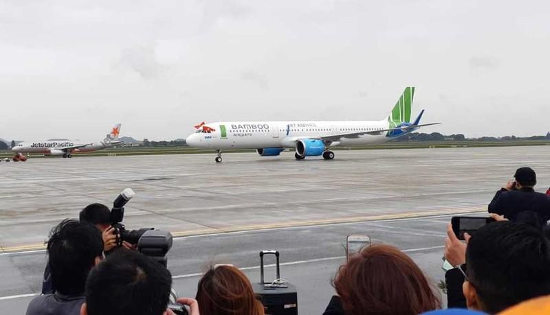 Bamboo Airways khai thác thương mại, 8.000 lượt khách đặt vé  - ảnh 1