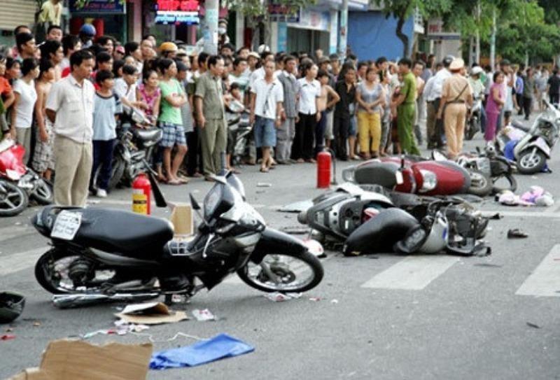 Ngày 30 Tết, 24 người chết vì tai nạn giao thông - ảnh 1