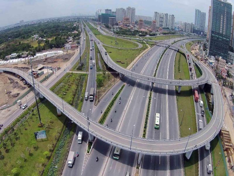 Nhiều điểm nghẽn giao thông phía Nam - ảnh 1