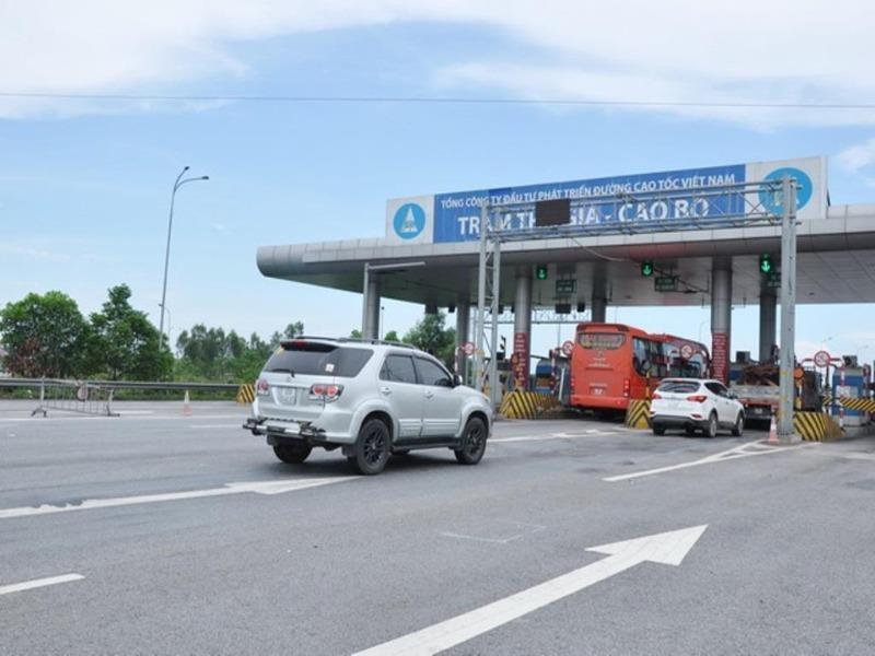 Ba ngày, VEC từ chối phục vụ 660 xe quá tải - ảnh 1