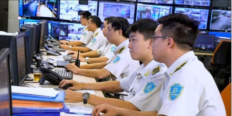 An ninh sân bay Nội Bài trả lại 49 triệu đồng cho khách - ảnh 1