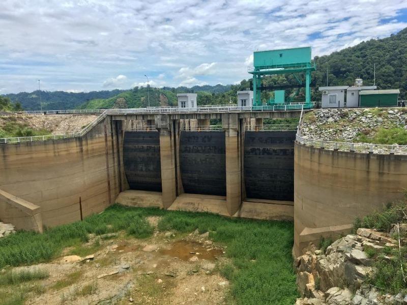Giữa mùa lũ, nhiều hồ thủy điện 'khát' nước trầm trọng - ảnh 1