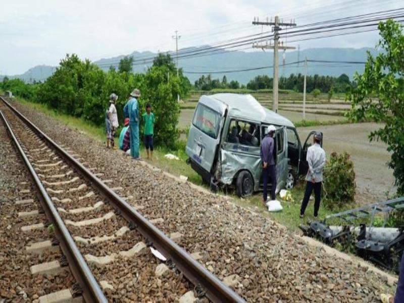 Bộ GTVT yêu cầu ngăn chặn ngay các vụ tai nạn đường sắt - ảnh 1