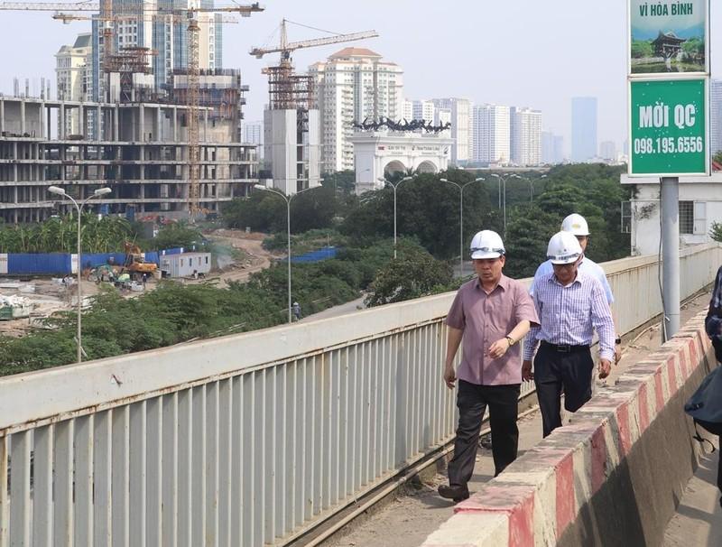 Bộ trưởng Bộ GTVT: Sửa chữa toàn diện mặt cầu Thăng Long - ảnh 1