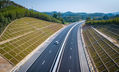 Bộ GTVT sẽ xin bố trí vốn xây dựng nhiều tuyến đường phía Nam - ảnh 1