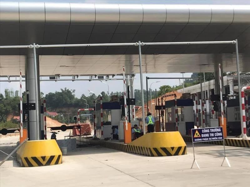 Cao tốc Bắc Giang - Lạng Sơn: Vì sao thông xe vẫn cấm xe? - ảnh 1