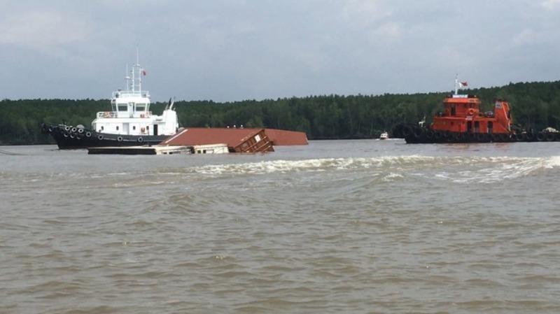 Cục trưởng yêu cầu xử lý nghiêm việc xếp dỡ container quá tải - ảnh 1