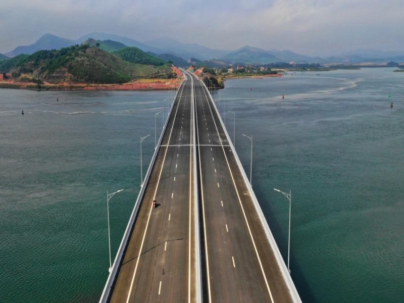 Không được để dự án đường bộ cao tốc Bắc-Nam chậm trễ - ảnh 1
