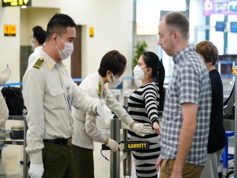 Gần 8.500 lao động nước ngoài muốn nhập cảnh vào Việt Nam - ảnh 1