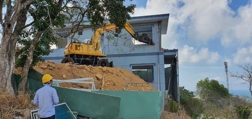 Tháo dỡ biệt thự mẫu xây dựng không phép tại Vũng Tàu - ảnh 1
