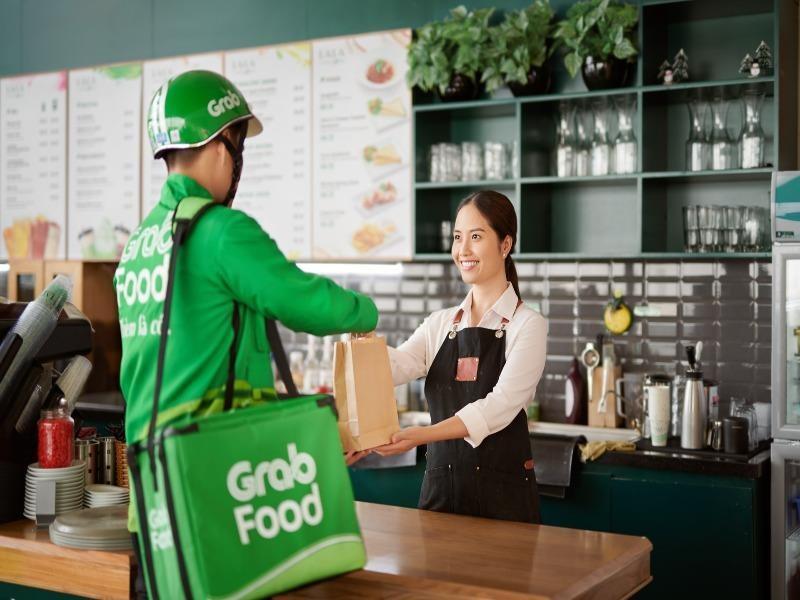 Grab bất ngờ cắt giảm 360 nhân viên vì COVID-19 - ảnh 1