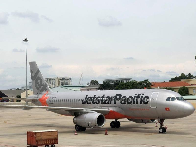 Bán vé vượt số ghế, 1 hãng hàng không bị yêu cầu kiểm điểm - ảnh 1