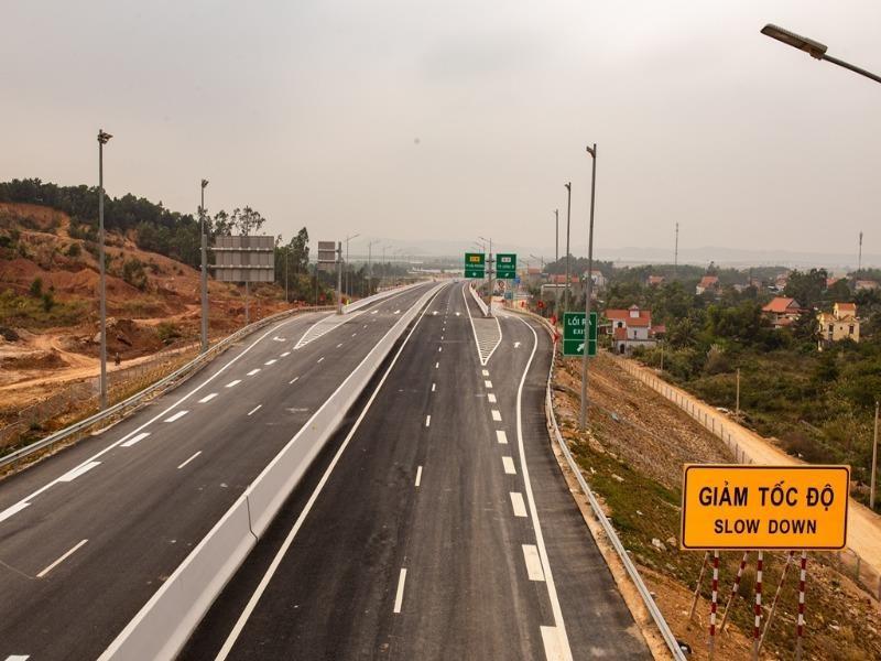 Tháng 9 phải khởi công 3 dự án đầu tư công cao tốc Bắc – Nam - ảnh 1