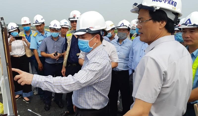 Bộ trưởng giao thông phê bình tư vấn sửa đường băng Nội Bài - ảnh 1