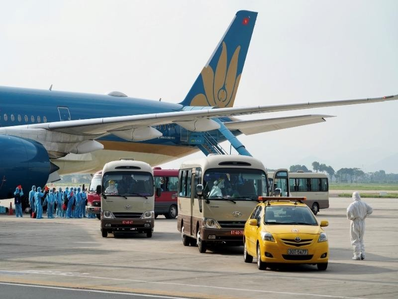 Sắp có nhiều chuyến bay đưa công dân về nước - ảnh 1