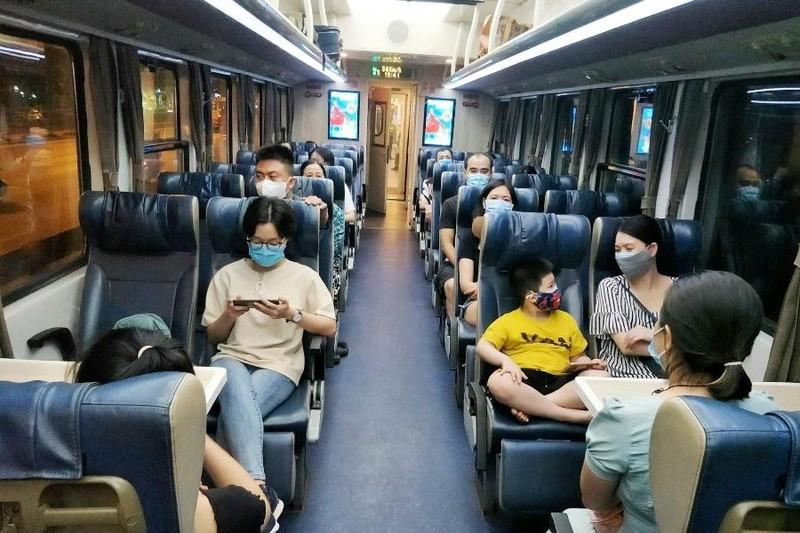 Từ hôm nay đường sắt dừng đón, trả khách tại ga Hà Nội - ảnh 1