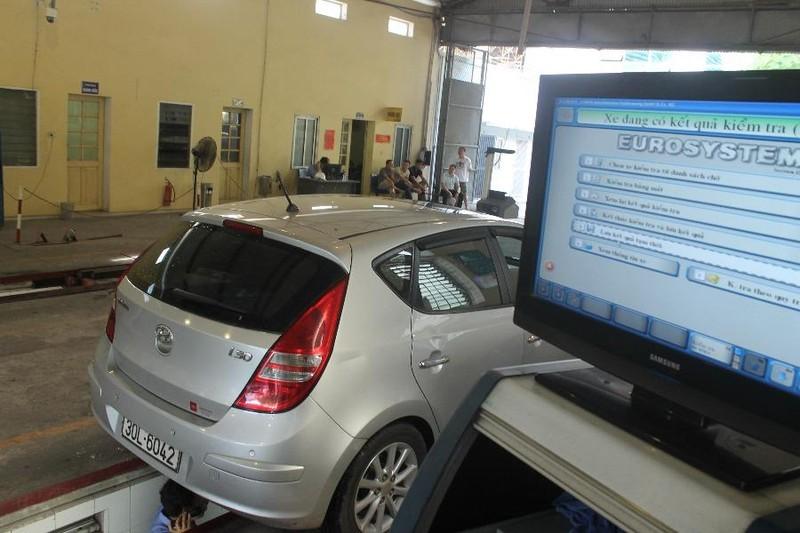Bộ GTVT đề xuất giảm phí cấp giấy đăng kiểm và phí sử dụng đường bộ - ảnh 1