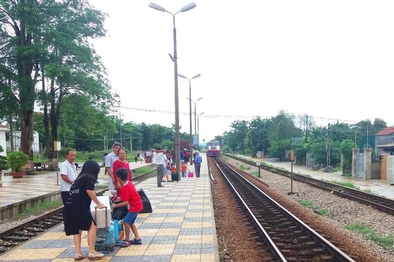 Hôm nay, ngành đường sắt mở bán vé tàu Bắc - Nam - ảnh 1