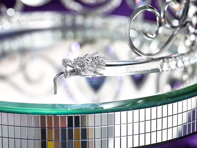 Hình ảnh chiếc vương miện trị giá 1 tỷ đồng của Hoa khôi Áo dài - ảnh 3