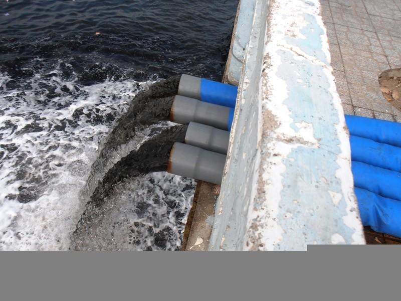 Người dân Nha Trang khốn khổ vì công trường xả nước thải ra sông Cái      - ảnh 1