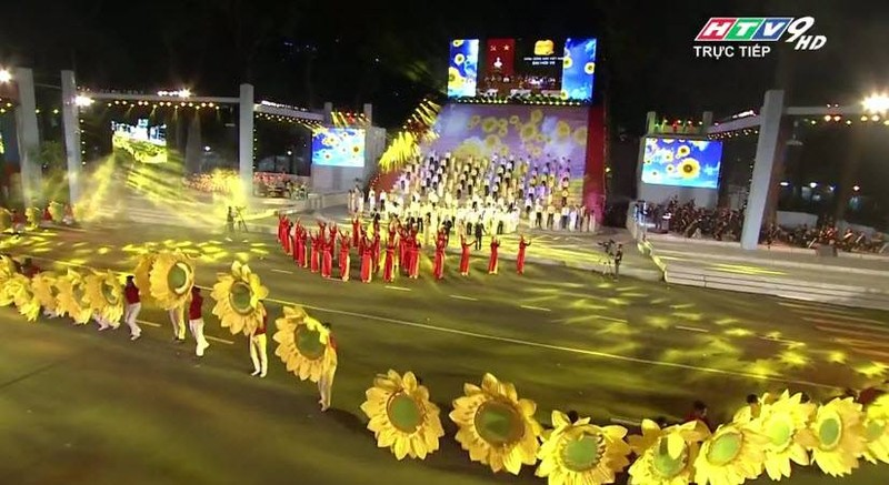 Hoành tráng chương trình nghệ thuật đặc biệt Đất nước trọn niềm vui  - ảnh 2