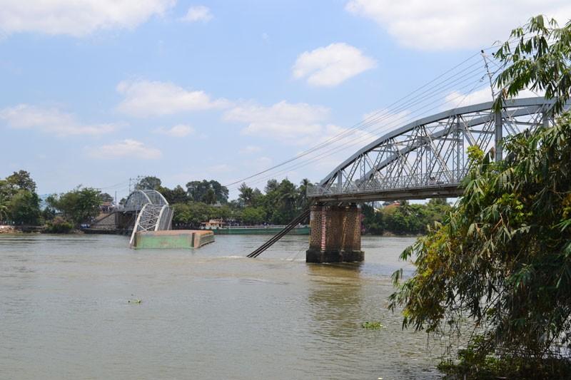 Mất ít nhất từ 3-5 tháng mới khắc phục xong vụ sập cầu Ghềnh  - ảnh 15