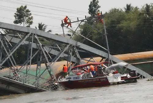 Mất ít nhất từ 3-5 tháng mới khắc phục xong vụ sập cầu Ghềnh  - ảnh 6