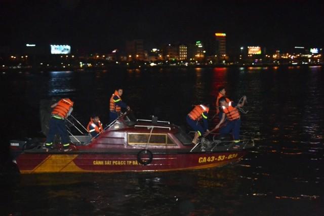 Thủ tướng chỉ đạo khắc phục vụ chìm tàu trên sông Hàn - ảnh 1