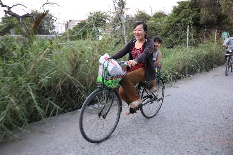 Mẹ con chị Hoài và chiếc xe ve chai - ảnh 3