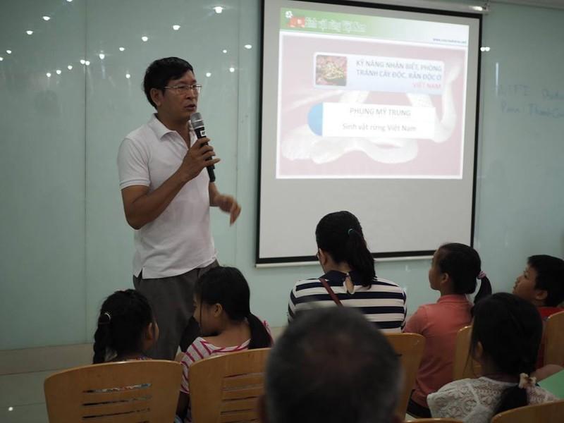 Trẻ Sài Gòn học cách phân biệt rắn độc, cây độc - ảnh 4
