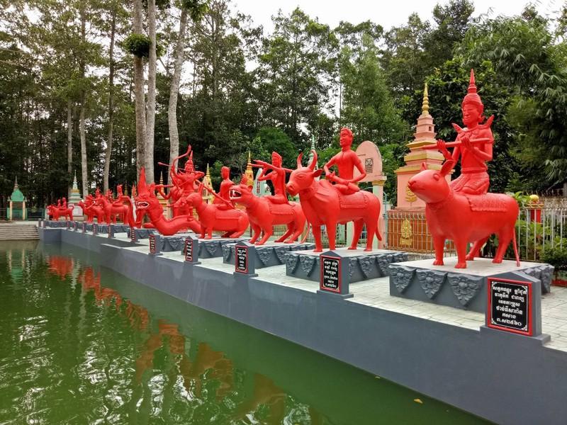 Ngắm 12 con giáp mới lạ qua hoa văn Khmer - ảnh 1