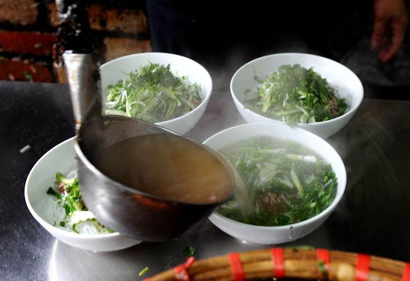 Những đặc sản Việt khiến khách Tây mê mệt - ảnh 1