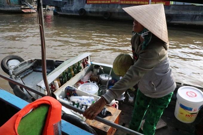 Chợ nổi Cái Răng qua ống kính du khách nước ngoài - ảnh 5