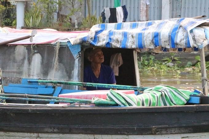 Chợ nổi Cái Răng qua ống kính du khách nước ngoài - ảnh 8