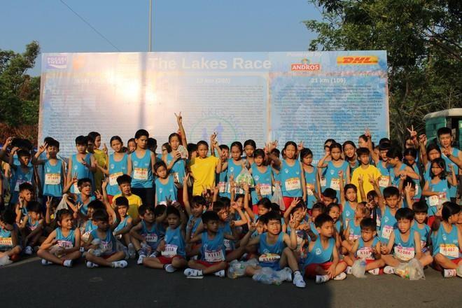 Hơn 900 vận động viên đa quốc gia chạy vì trẻ em - ảnh 4
