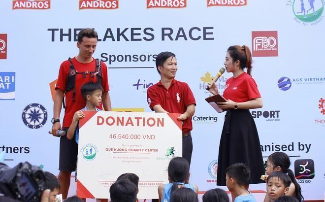 Hơn 900 vận động viên đa quốc gia chạy vì trẻ em - ảnh 7