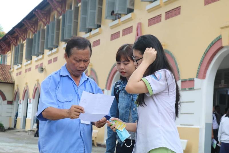 887.000 thí sinh hồi hộp làm thủ tục dự thi THPT quốc gia  - ảnh 7