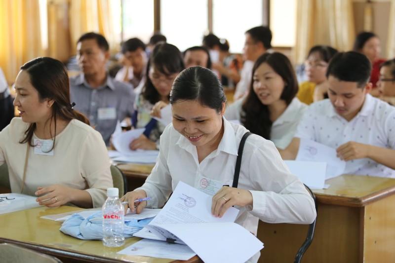 887.000 thí sinh hồi hộp làm thủ tục dự thi THPT quốc gia  - ảnh 3