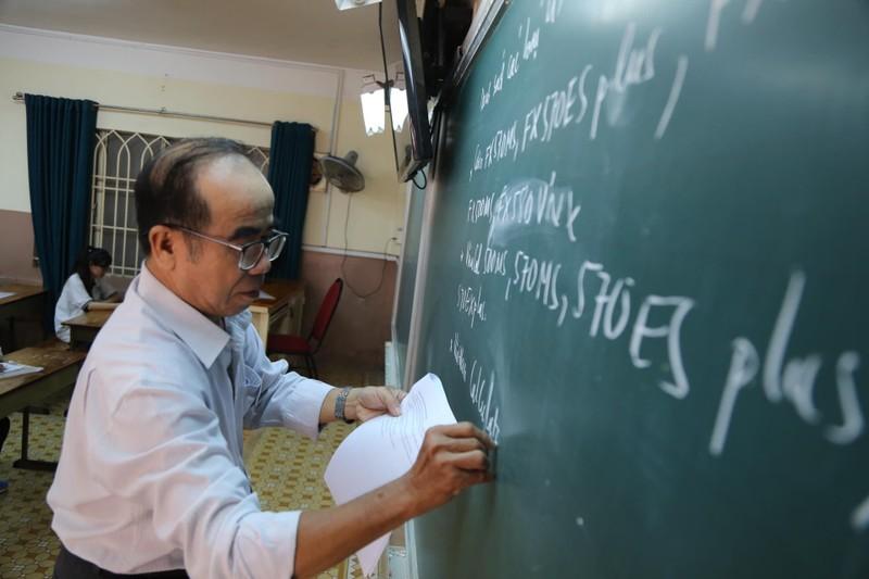 887.000 thí sinh hồi hộp làm thủ tục dự thi THPT quốc gia  - ảnh 16